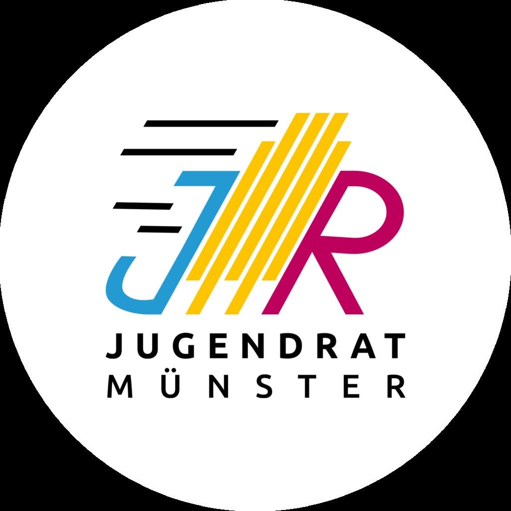 Auf dem Bild ist das Logo des Jugendrats abgebildet. Das Logo besteht aus den Buchstaben J und R in gelb und rot. In der Mitte ist in gelb das Rathausgebäude angedeutet. Darunter steht Jugendrat Münster.